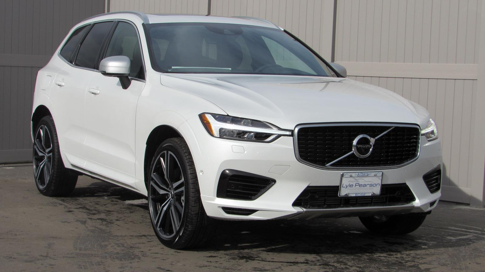 New 2019 Volvo XC60 T8 eAWD Plug-In Hybrid R-Design