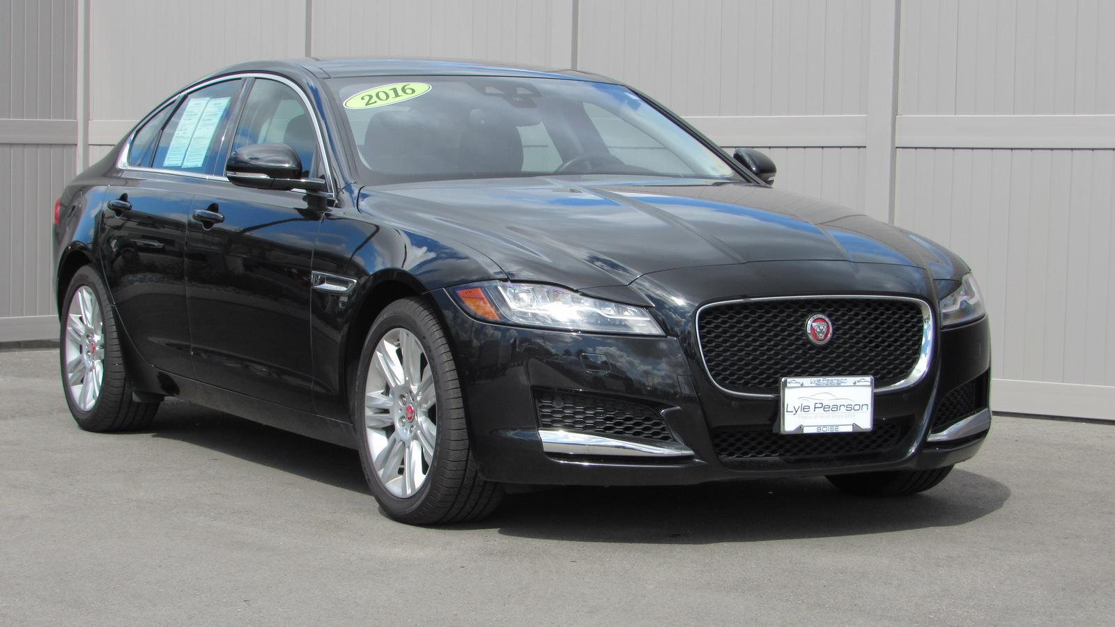 Certified Pre-Owned 2016 Jaguar XF 4dr Sdn 35t Premium AWD
