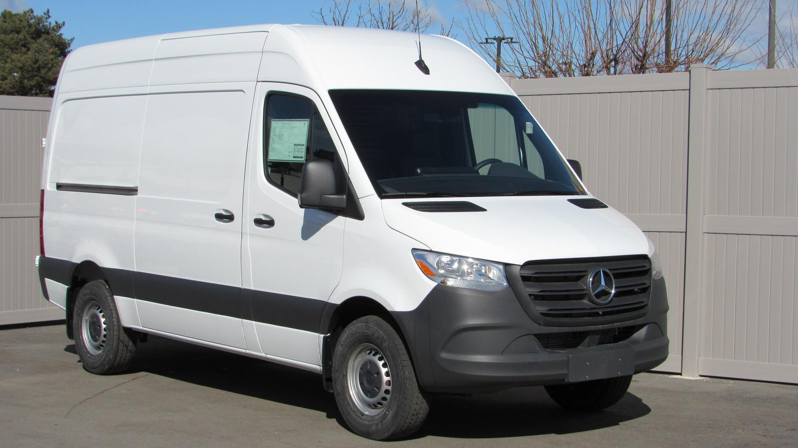New 2019 Mercedes-Benz Sprinter 3500 High Roof V6 144 RWD