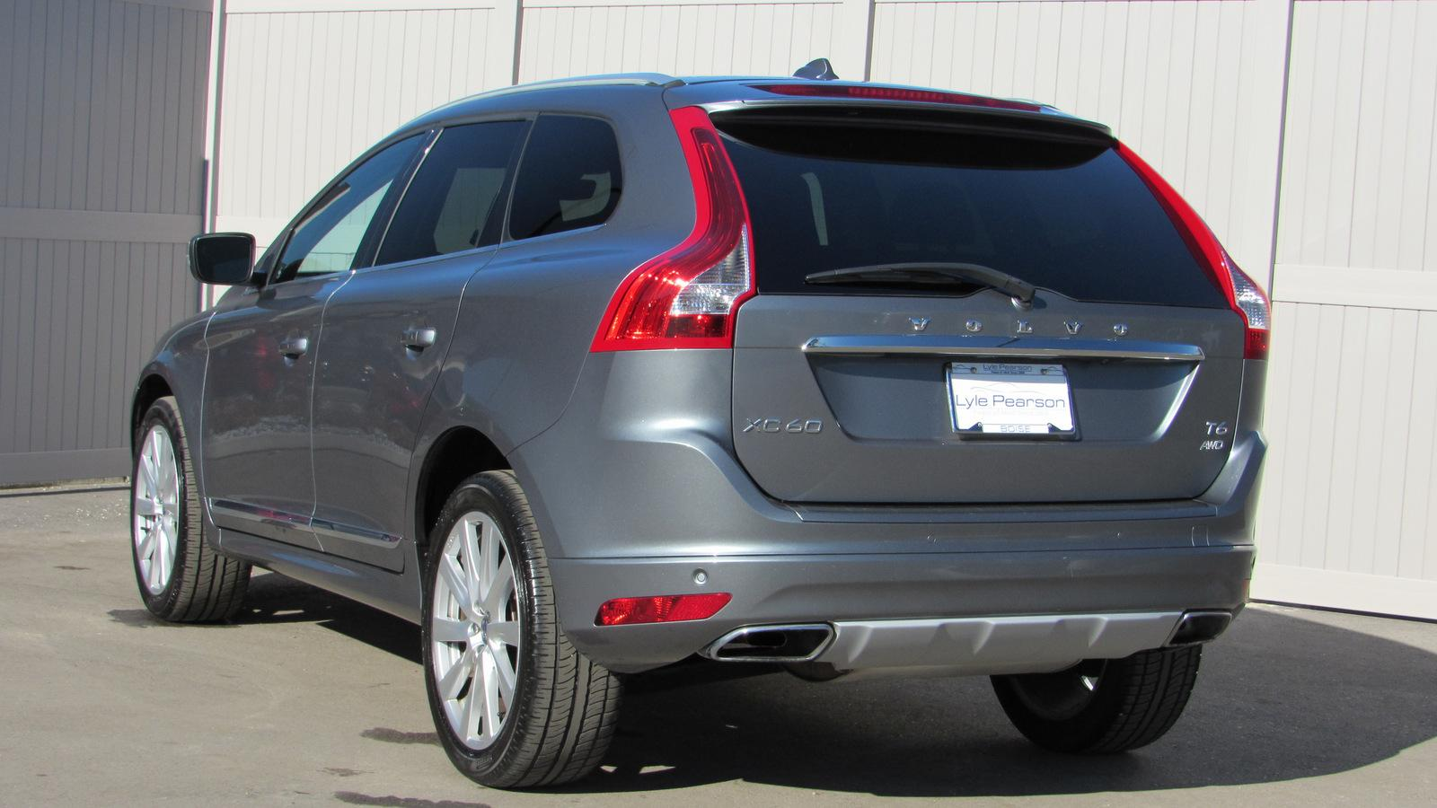 Certified Pre-Owned 2017 Volvo XC60 T6 AWD Inscription