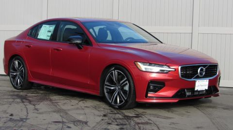 New 2019 Volvo S60 T6 AWD R-Design