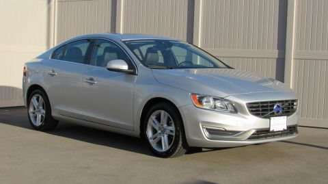 Certified Pre-Owned 2015 Volvo S60 4dr Sdn T5 Drive-E Platinum FWD