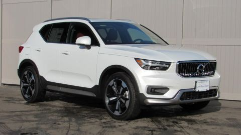 New 2019 Volvo XC40 T5 AWD Inscription
